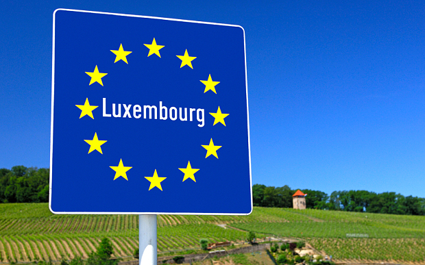 C4E4CJ Country sign of the Grand Duchy of Luxembourg at the national border near Schengen, Luxembourg