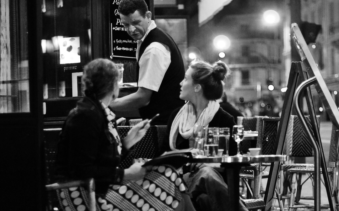 "7 simple tips to ""café"" like a pro in Paris"